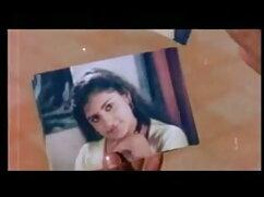 यंग लिबर्टिन - एक हरे सोफे पर हिंदी में सेक्सी मूवी वीडियो में गर्म सेक्स