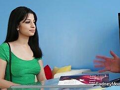 स्कीनी गर्ल के पास कर्ज चुकाने फुल सेक्सी मूवी हिंदी में के लिए पैसे नहीं हैं