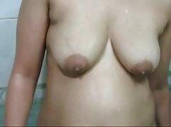 BFFS - लेस्बियन सेक्सी वीडियो में हिंदी मूवी सेक्स पूल पार्टी!