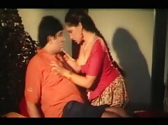 मेरी बीवी को साबुन से ढके टब में चोदना और एचडी सेक्सी मूवी हिंदी में चाटना
