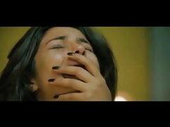 गीगी एलन अपनी मालिश में अधोवस्त्र हिंदी में फुल सेक्सी मूवी में